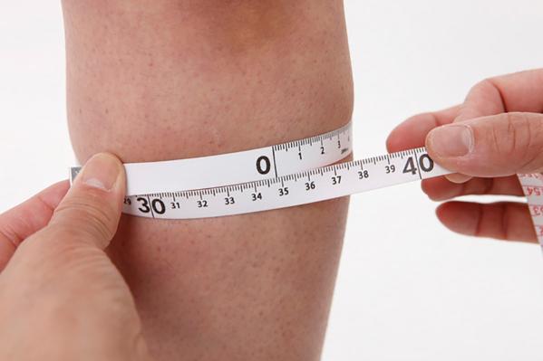 膝サポーターのサイズ選び